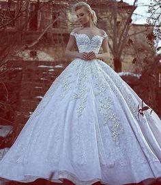 Gorgeous dress via @dresses_gowns_fashion ph ©saidmhamadphotography
