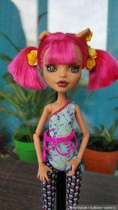 Срочно!!!.До 31.08 цена 1500! Хоулин ООАК Монстер Хай Monster High.Цена ниже не будет / ООАК игровых кукол / Шопик. Продать купить куклу / Бэйбики. Куклы фото. Одежда для кукол Howleen Wolf, Harajuku, Captain Hat, Dolls, Disney Princess, Disney Characters, Hats, Beautiful, Style