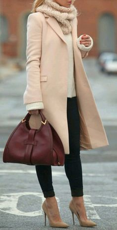 Business looks for women according to the current trends 2016 - recepis.sk - - Business Looks für Frauen nach den aktuellen Trends 2016 Winter coat handbag complete the stylish business outfit - Casual Winter Outfits, Fall Outfits, Outfits 2014, Stylish Outfits, Stylish Coat, Christmas Outfits, Stylish Clothes, Winter Outfits For Ladies, Casual Fall