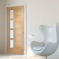 Bespoke Vancouver Oak 4L Door with Clear Glazed Offset - Prefinished.    #glazeddoor #internaldoor #bespokedoor #madetoorderdoor #lpddoor #moderninteriordoor #interiordesign #oak #moderninterior