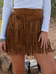 Womens Brown Suede Full Fringe Short Western Skirt - Womens Brown Suede Full Fringe Short Western Skirt Source by gunsnfroses - Cowgirl Style Outfits, Country Style Outfits, Cowgirl Outfits, Cowgirl Clothing, Cowgirl Fashion, Look Fashion, Skirt Fashion, Fashion Outfits, Cowgirl Skirt