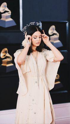 (notitle) (notitle),jewelry celebrities women inspiration gadot frames for women Lana Banana, Pretty People, Beautiful People, Beautiful Celebrities, Beautiful Women, Demi Lovato, Rihanna, Lana Del Rey Quotes, Elizabeth Grant