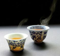 Gong fu cha – the Chinese tea ceremony. At first, the little cups seem like a child's game of doll tea party – until you taste the tea and you are a convert. Pu Erh Tea, Tea Culture, Cuppa Tea, Tea Art, Tea Bowls, My Tea, Tea Ceremony, High Tea, Drinking Tea