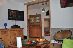 Blick vom Wohnraum  ( Apartment ) in die Küche  ( Casa Pecosa)
