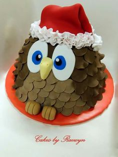 Owl cake with Santa hat
