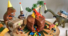 1 Year Birthday, Dinosaur Birthday Party, 4th Birthday Parties, Birthday Cake, Party Ideas, Christmas Ornaments, Holiday Decor, Kids, Dinosaurs