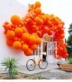 Gorgeous abstract installation by Jihan Zencirli #abstract #abstractart #installationart #designer #balloons