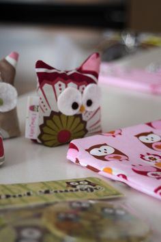 How to Throw a Theme Party - Inspiration from an Owl BabyShower - Second City Soiree - Culture - Food - Style. Plus home entertaining and party planning