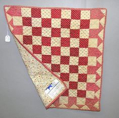 FOUR ANTIQUE DOLL QUILTS. Two pink and cream Four P : Lot 99