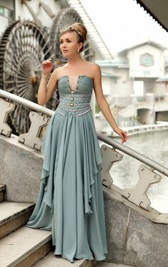 This makes me think of a modern Cinderella! :) (Tea Green V-Neck Strapless Beaded Chiffon Evening Dresses) Chiffon Evening Dresses, Prom Dresses Blue, Pretty Dresses, Evening Gowns, Beautiful Dresses, Bridesmaid Dresses, Gorgeous Dress, Bridesmaid Color, Dresses 2013
