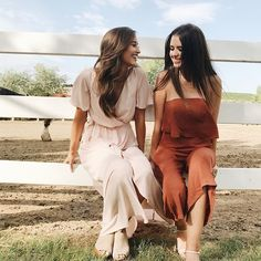 but that smile has turned to stone. Bff Pictures, Best Friend Pictures, Summer Pictures, Senior Pictures, Kristin Johns, Jess And Gabe, Jess Conte, Best Friend Poses, Cute Friends