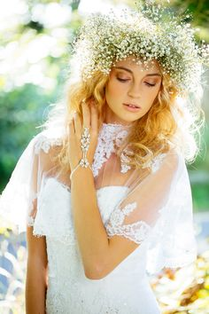 Pretty boho bride with baby's breath flower crown! Let Vênsette's world-class hair and makeup artists craft custom beauty looks for your special day: http://vensette.com/bridal_inquiries