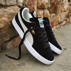 wholesale dealer e0d69 9e62e Instagram post by ❤ Loversneakers • Apr 13, 2017 at 5 05pm UTC. Puma Suede  NoirPuma Suede HommePuma Suede MensSuede ...
