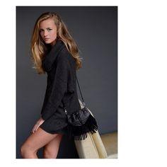 Finally Friday  #chalrose #onebagdifferentstyles #click #accessories #handmade #handbag #dutch #design #fashion #model #fashionista