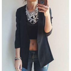 Bold Clear Crystals Statement Necklace #fashion #style #ootd #trend #clearnecklace #statementnecklace - 26,90 € @happinessboutique.com