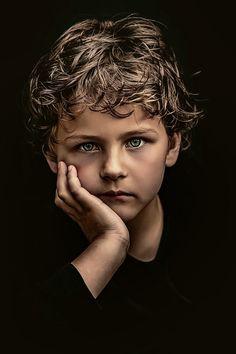 Cute Kids Photography, Art Photography Portrait, Young Cute Boys, Studio Portraits, Female Portrait, Beautiful Children, Photos, Pictures, Girl Model