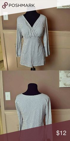 Gorgeous Spotted V-Neck Blouse In excellent condition. Very cute and comfortable! Tops Blouses
