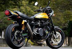 Kawasaki Motorcycles, Cars Motorcycles, Custom Sport Bikes, Car Hacks, Motorcycle Art, Cycling Art, Super Bikes, Vintage Motorcycles, Cool Bikes