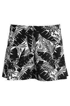 Ellos Beachwear Bikinihame, koko 40. 8,50 € Tai muu bikinihame, esim. yksivärinen musta. Beachwear, Fashion, Beach Playsuit, Moda, Fashion Styles, Beach Attire, Beach Outfits, Fashion Illustrations, Fashion Models