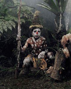 vanishing-tribes-before-they-pass-away-jimmy-nelson-12.jpg (915×1149)