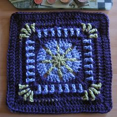 Ravelry: Raindrop Block pattern (9 inches) by Donna Kay Lacey ~ free pattern ✿⊱╮Teresa Restegui http://www.pinterest.com/teretegui/✿⊱╮