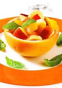 Macedonia de frutas con zumo de naranja, Una preparación muy vistos en la mesa luce por su colorido. Es una fuente de calcio y un excelente antioxidante. A los ...
