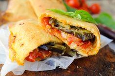 Scacce+ragusane+con+melanzane+ricetta+facile