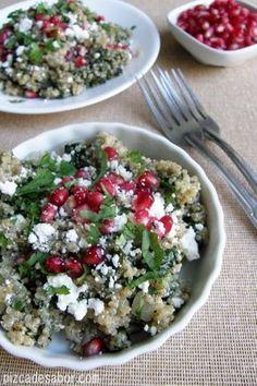 Ensalada de quinoa con espinaca y feta | http://www.pizcadesabor.com/2013/01/07/ensalada-de-quinoa-con-espinaca-y-feta/