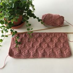 The butterfly: Recipe for dishcloth with pattern Dishcloth Knitting Patterns, Knit Dishcloth, Arm Knitting, Knitting Stitches, Crochet Patterns, Drops Design, Yarn Projects, Sewing Projects, Drops Baby