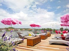 Dachterrasse vom Hotel Hamburg Number One Hotels, Outdoor Furniture Sets, Outdoor Decor, Number One, Sun Lounger, Fair Grounds, Patio, Night, Beautiful