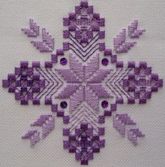 Well, I've finally got around to taking a photo of my latest Hardanger.  And here it is.  It's a freebie Nordic Needle design and you can cl...