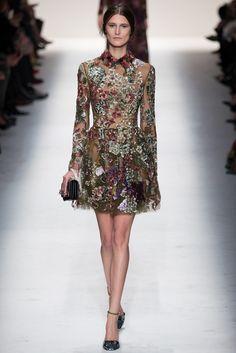 Floral print y transparencia en este vestido de Valentino para la temporada otoño/invierno 2014. #PFW