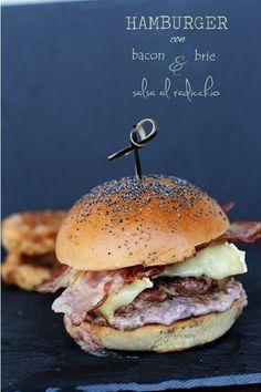 Hamburger con bacon, Brie e pesto al radicchio rosso e nocciole per MTC 49