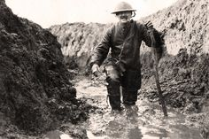 Richard van Emden offers vivid impression of what it was like to serve in the Somme.