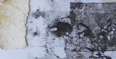 Mythologie aléatoire I  Empreintes et papier fait main sur page de livre  Oeuvre en cours, esquisse  2013    Sous trois lunes noires  Elle...