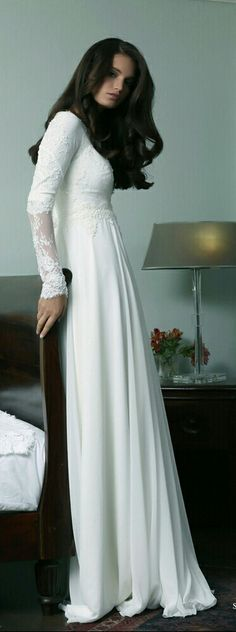 Modest wedding gown with long sleeves. Riate. Studio Levana
