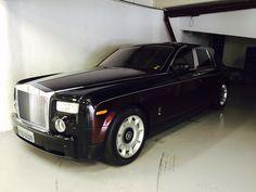 E ainda tem um Rolls-Royce….