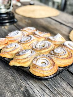 Citronbullar Whoopie Pies, Fika, Food Cakes, Something Sweet, Sugar And Spice, Baked Goods, Cake Recipes, Bakery, Good Food