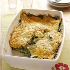 "Spinach-Cheese Bake - ""You can assemble the spinach and cheese casserole in less than 10 minutes by using pre-shredded cheeses. Vegetarian Casserole, Vegetable Casserole, Casserole Recipes, Vegetarian Recipes, Cooking Recipes, Healthy Recipes, Spinach Casserole, Brunch Casserole, Atkins Recipes"