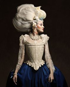 For the new French luxury magazine AESTUS, the photographer Vincent Alvarez presents an elegant hymn to Marie-Antoinette.
