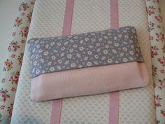 Etui à mouchoirs en tissu tilda gris et par EmmaFlorenceParis