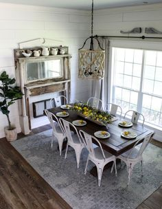 The Best Dining Room Round Table Design Ideas Farmhouse Dining Room Table, Dining Room Table Decor, Dining Table Design, Dining Room Walls, Dining Room Lighting, A Table, Room Chairs, Living Room, Metal Dining Chairs