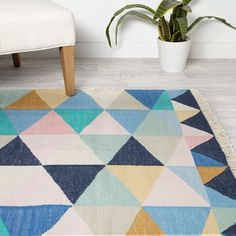 Geometric Rug That Are Intense & Trending. Geometric Rug Design Inspiration is a part of our furniture design inspiration series. Playroom Rug, Playroom Design, Playroom Ideas, Basement Ideas, Ikea Rug, Woven Chair, Pillow Room, Geometric Rug, Carpet Runner