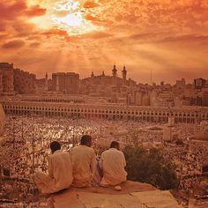 Ramadan Kareem! Boldog ramadánt! Ma kezdődik a ramadán hónapja. Tudj meg többet…