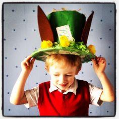 Mad Hatter inspired easter bonnet hat for a boy. Boys Easter Hat, Easter Bonnets For Boys, Easter Hat Parade, Easter Crafts, Crafts For Kids, Crazy Hat Day, Easter Games, Easter 2018, Easter Holidays