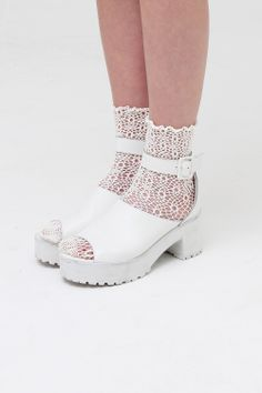 Perfect Match! Leather Chunky Heel Sandal White http://www.thewhitepepper.com/collections/shoes/products/leather-chunky-heel-sandal-white and Crochet Ankle Socks http://www.thewhitepepper.com/collections/socks-tights/products/crochet-ankle-socks-cream