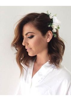 31 Wedding Hairstyles for Short to Mid Length Hair . 31 Wedding Hairstyles for Short to Mid Length Mid Length Hair, Shoulder Length Hair, Bridal Hair Mid Length, Short Bridal Hair, Wedding Hair Down, Wedding Hair And Makeup, Simple Wedding Hair, Trendy Wedding, Boho Wedding