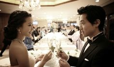 Korean-Actress-Kim-Hee-sun's-Wedding.  Low updo from the side view.