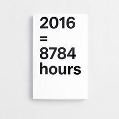 Die Schweizer Grafikdesignerin Julie Joliat entwirft jedes Jahr eine Agenda, die eine Mischung aus ausgefeilt strukturiertem Taschenkalender und unterhaltsamer Grafik ist. Jede Woche enthüllt die Agenda 2016 eine beeindruckende Tatsache, die hilft, Ihr Leben in einem anderen Zusammenhang zu sehen, und vielleicht sogar beeinflußt, wie Sie Ihren Tag planen. Faszinierend, alarmierend oder etwas provokant, bringen Sie diese Dinge zum träumen und denken und führen unter Umständen zu an...