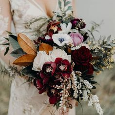 24 Wedding Bouquet Ideas & Inspiration (Peonies, Dahlias, Lilies) Wedding bouquet is an important part of the bridal look. Looking for wedding bouquet ideas? Check the post for bridal bouquet photos! Fall Wedding Bouquets, Fall Wedding Flowers, Flower Bouquet Wedding, Floral Wedding, Flower Bouquets, Bridal Bouquets, Greenery Bouquets, White Bouquets, Wedding Nail